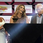 Fernanda Lima wins Best Brazilian TV Host Award